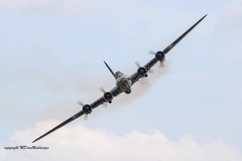 B-17_124485_Duxford_201510.jpg