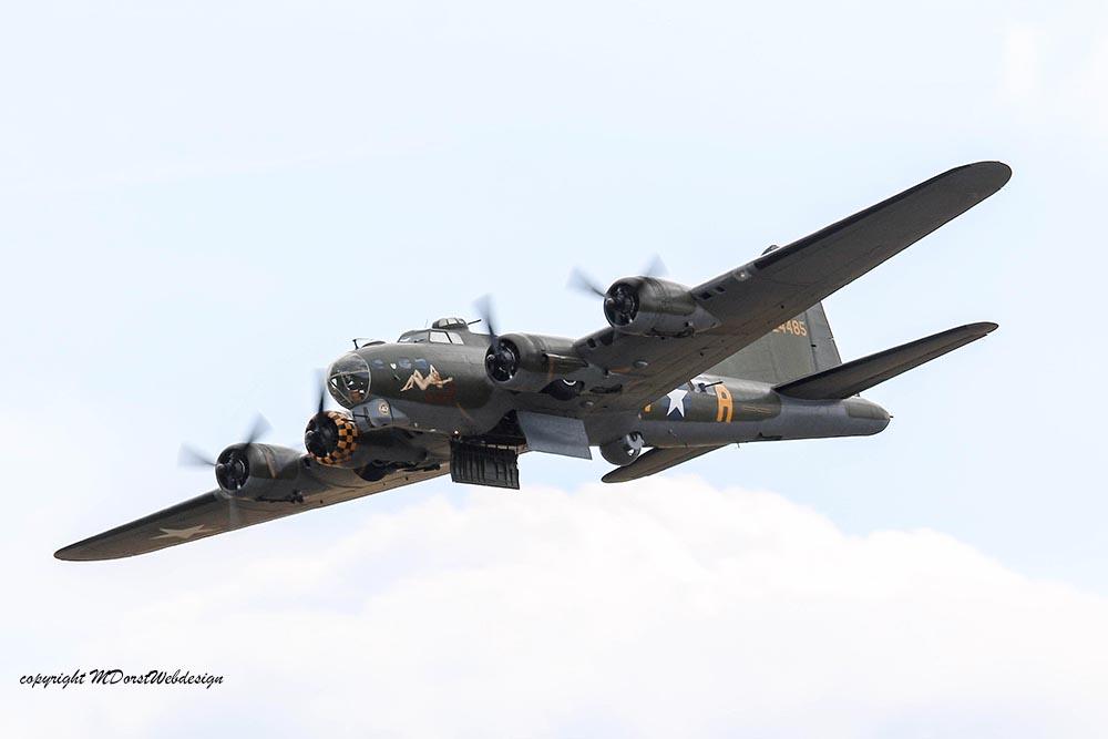 B-17_124485_Duxford_201517.jpg
