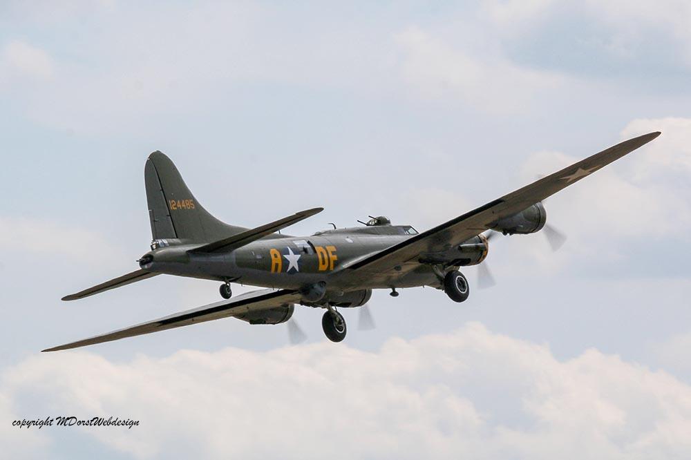 B-17_124485_Duxford_201520.jpg