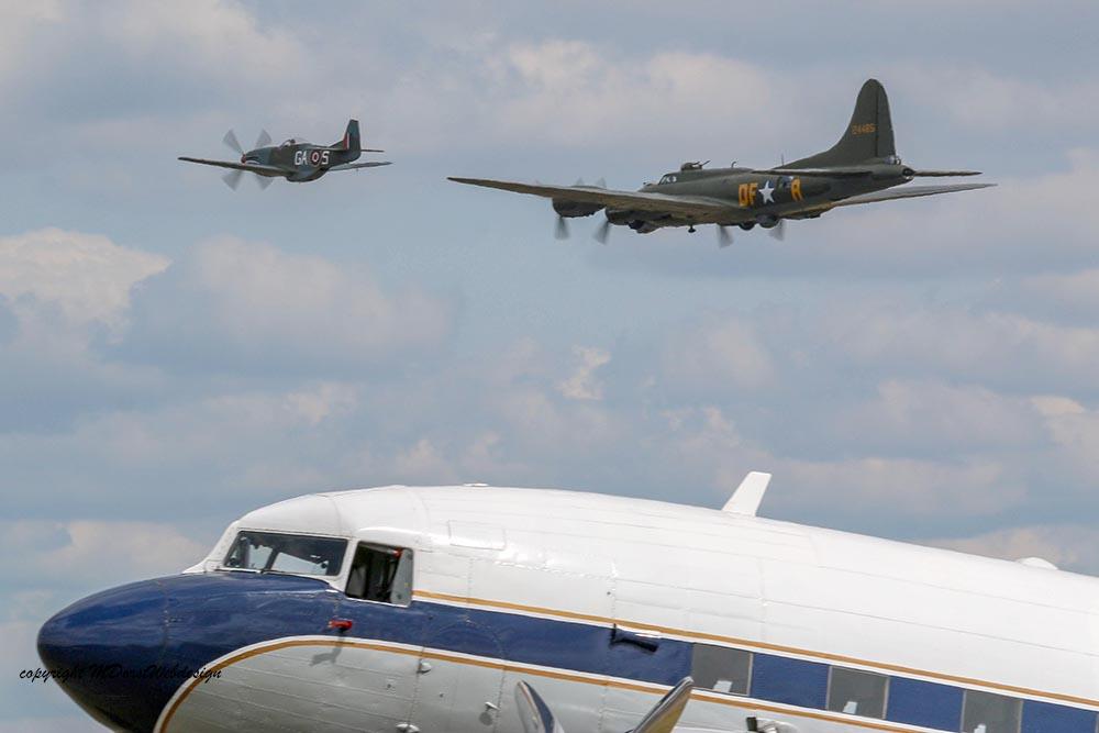 B-17_und_P51_Duxford_201510.jpg