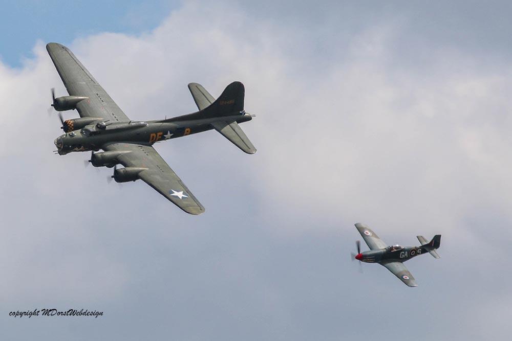 B-17_und_P51_Duxford_20157.jpg