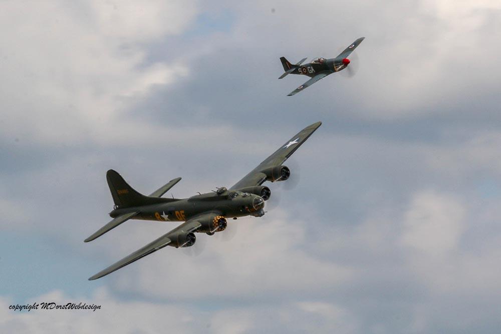 B-17_und_P51_Duxford_20158.jpg