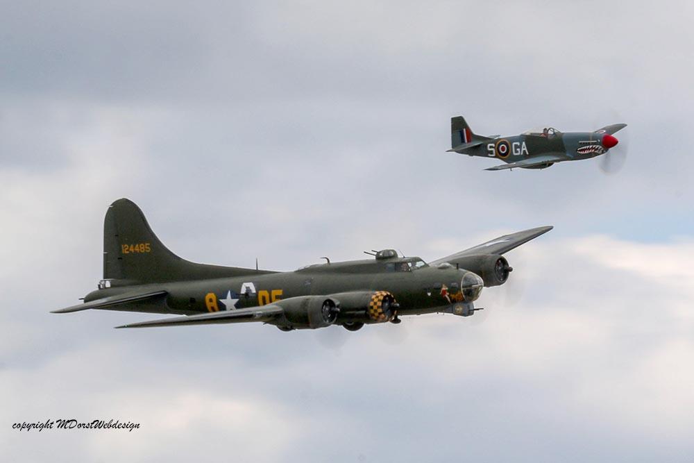 B-17_und_P51_Duxford_20159.jpg