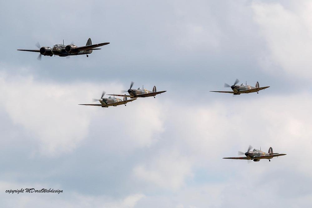 Bristol_Blenheim_Formation_Duxford_20152.jpg