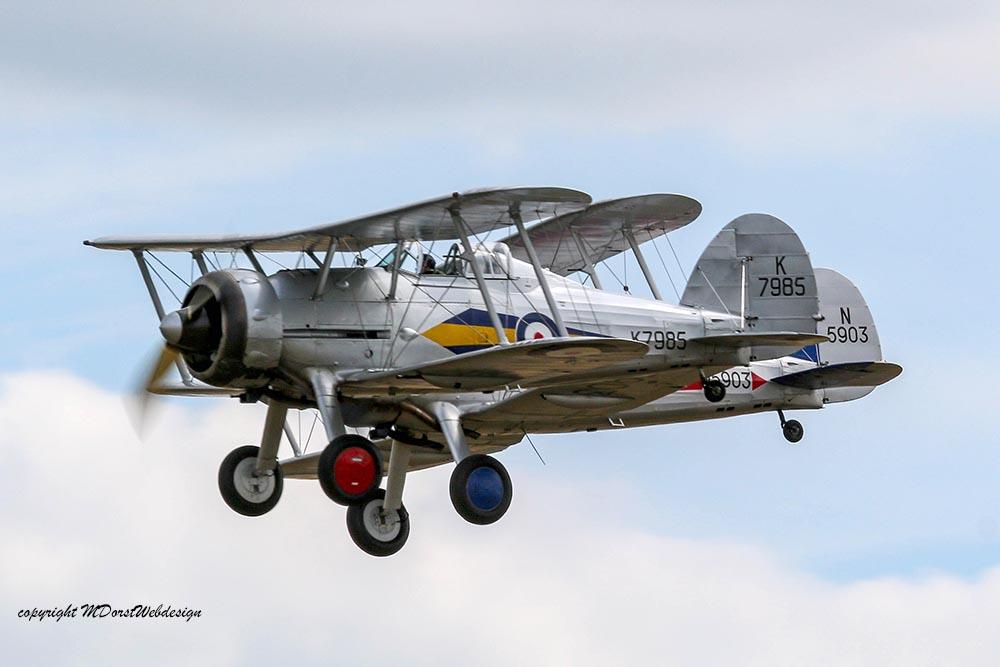 Gloster_Gladiator_Formation_Duxford_2015_10.jpg