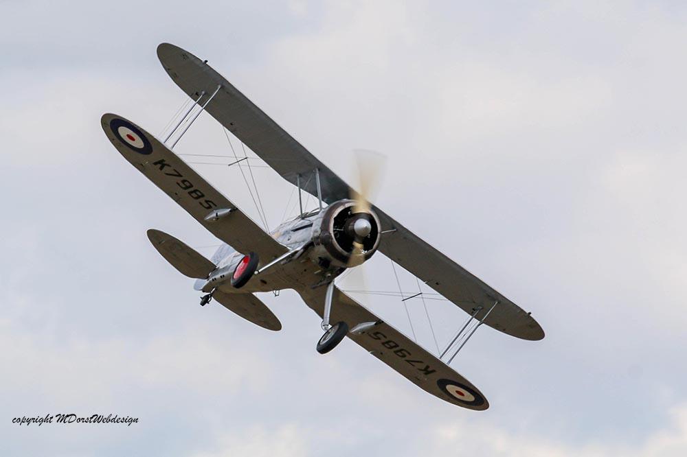 Gloster_Gladiator_K7985_Duxford_2015_10.jpg
