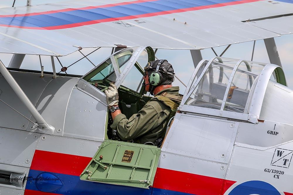 Gloster_Gladiator_N5903_Duxford_2015_1.jpg