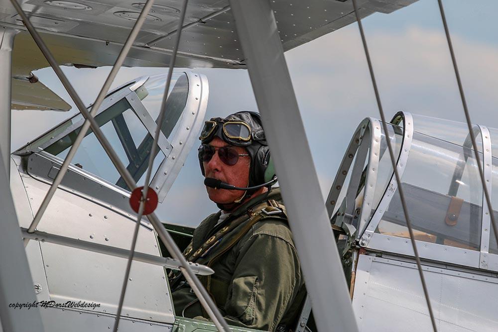 Gloster_Gladiator_N5903_Duxford_2015_4.jpg