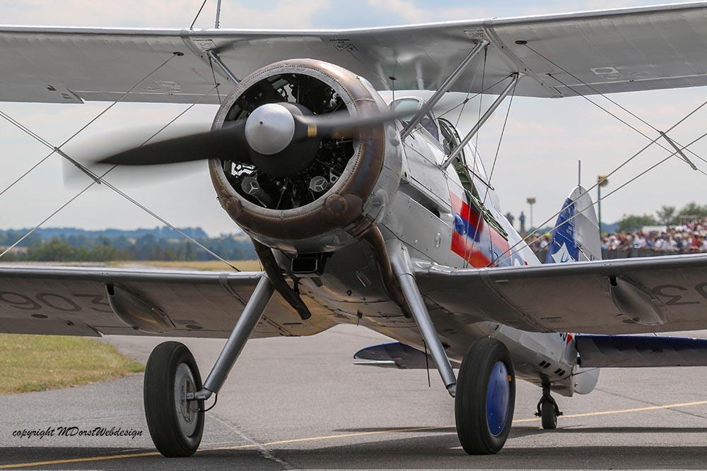 Gloster_Gladiator_N5903_Duxford_2015_7.jpg