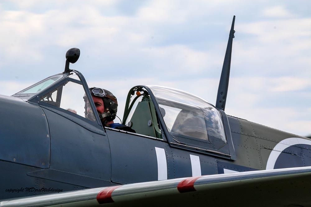 Spitfire_11-5-N_Dux20152a.jpg
