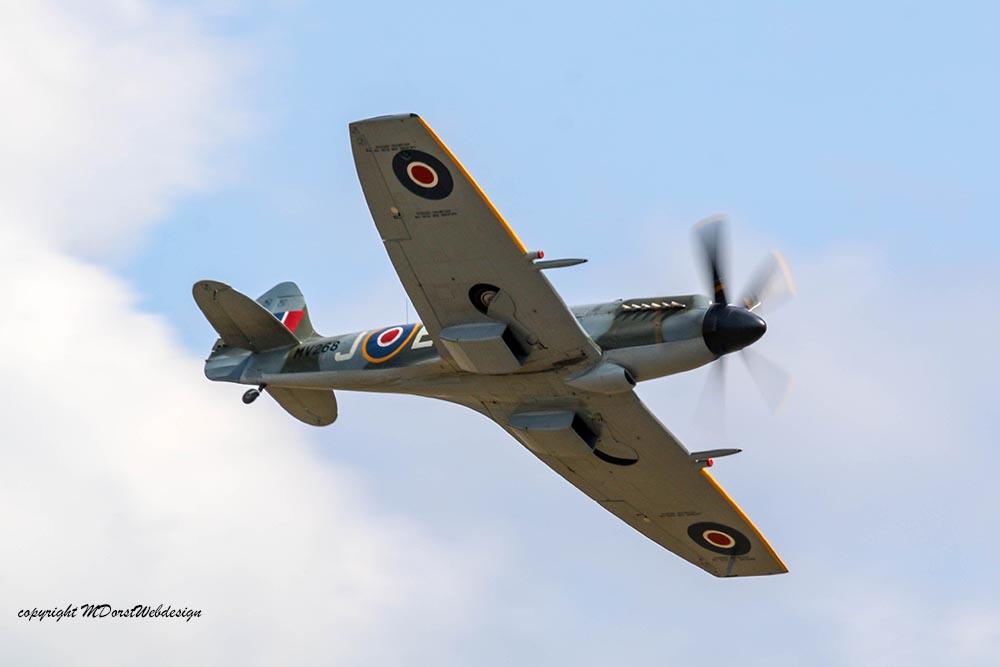 Spitfire_Griffon_MV268_Dux20152.jpg