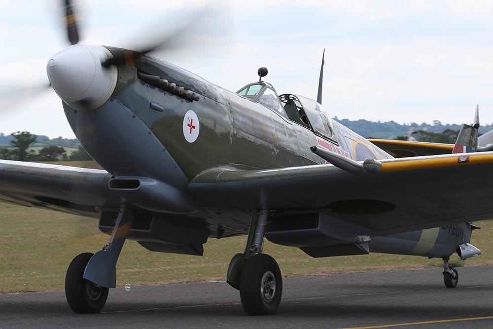 Spitfire_MkVIII_D-FEUR_Dux201510.jpg