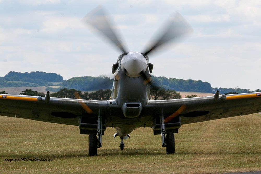 Spitfire_MkVIII_D-FEUR_Dux201515.jpg