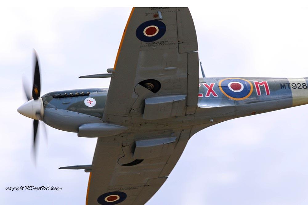 Spitfire_MkVIII_D-FEUR_Dux201518.jpg