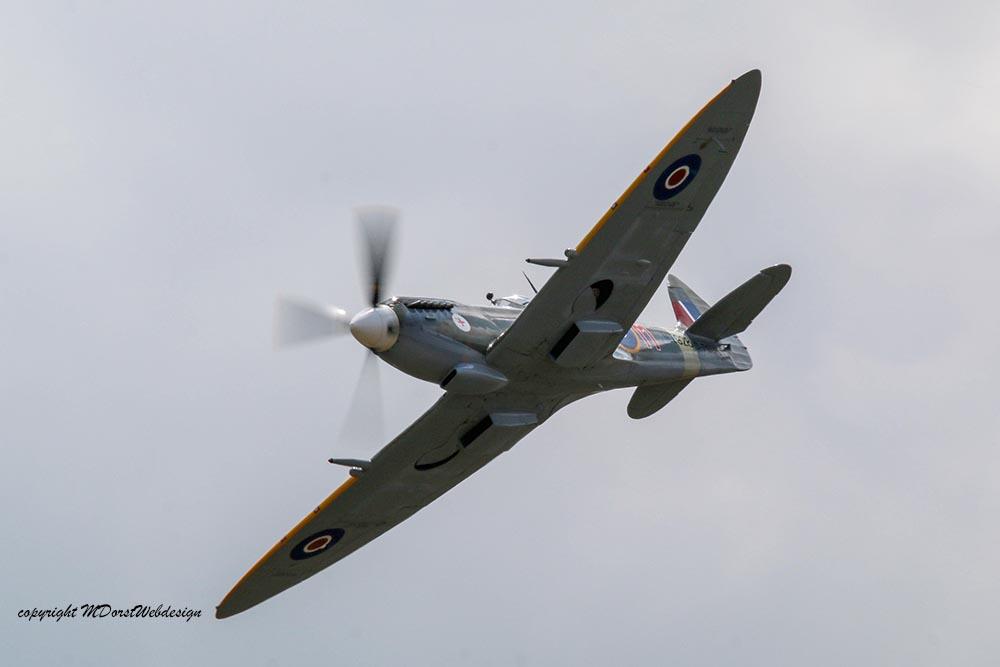 Spitfire_MkVIII_D-FEUR_Dux201519.jpg