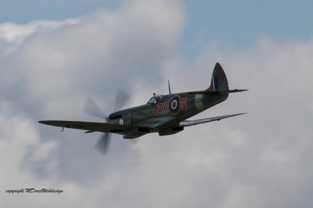 Spitfire_MkVIII_D-FEUR_Dux201521.jpg