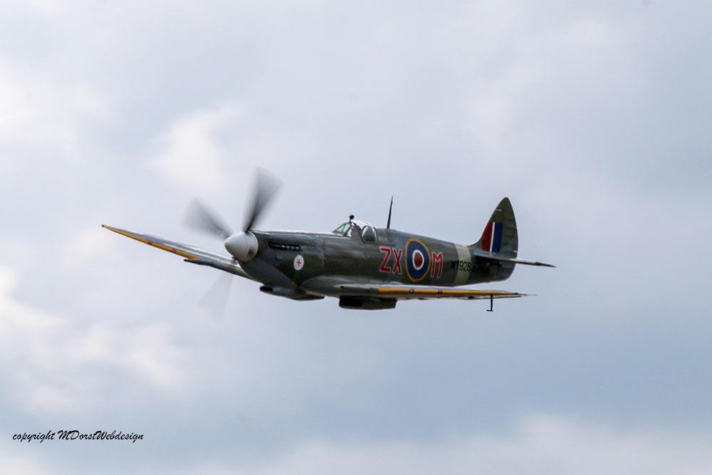 Spitfire_MkVIII_D-FEUR_Dux201523.jpg