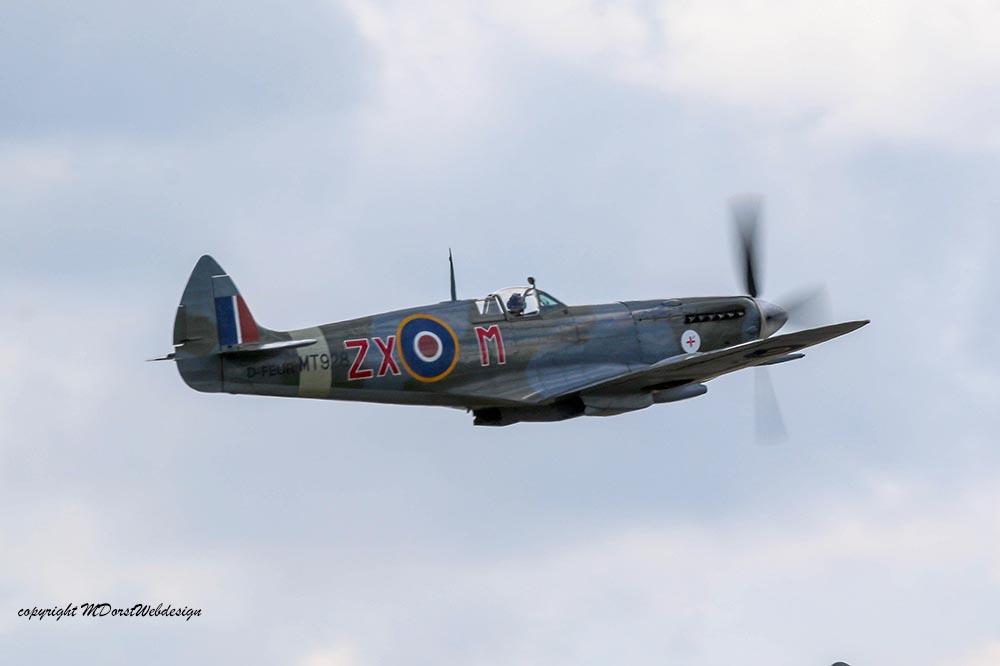 Spitfire_MkVIII_D-FEUR_Dux201527.jpg