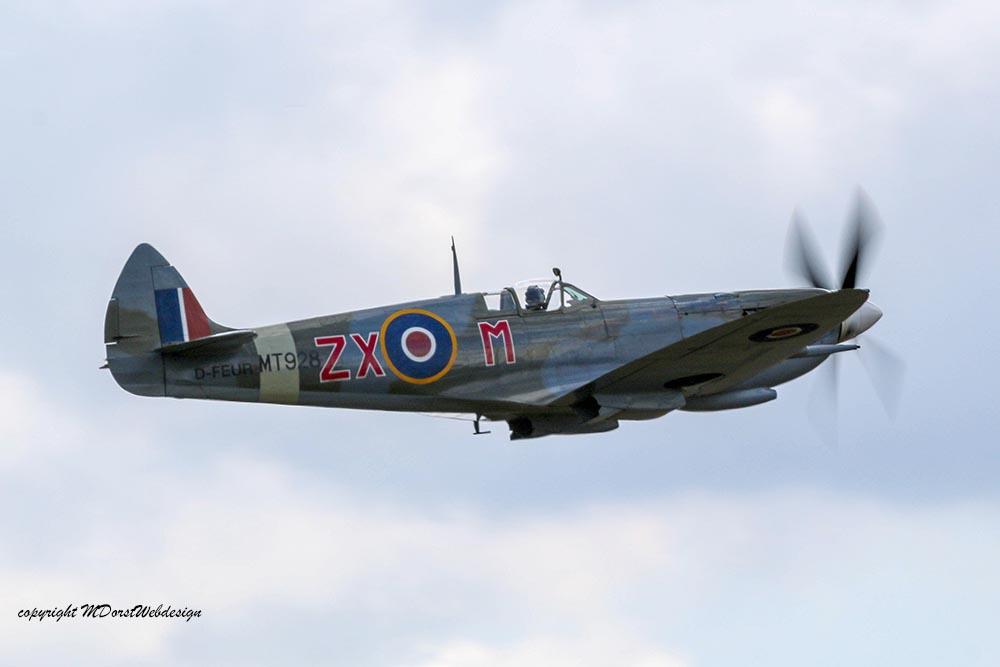 Spitfire_MkVIII_D-FEUR_Dux201528.jpg