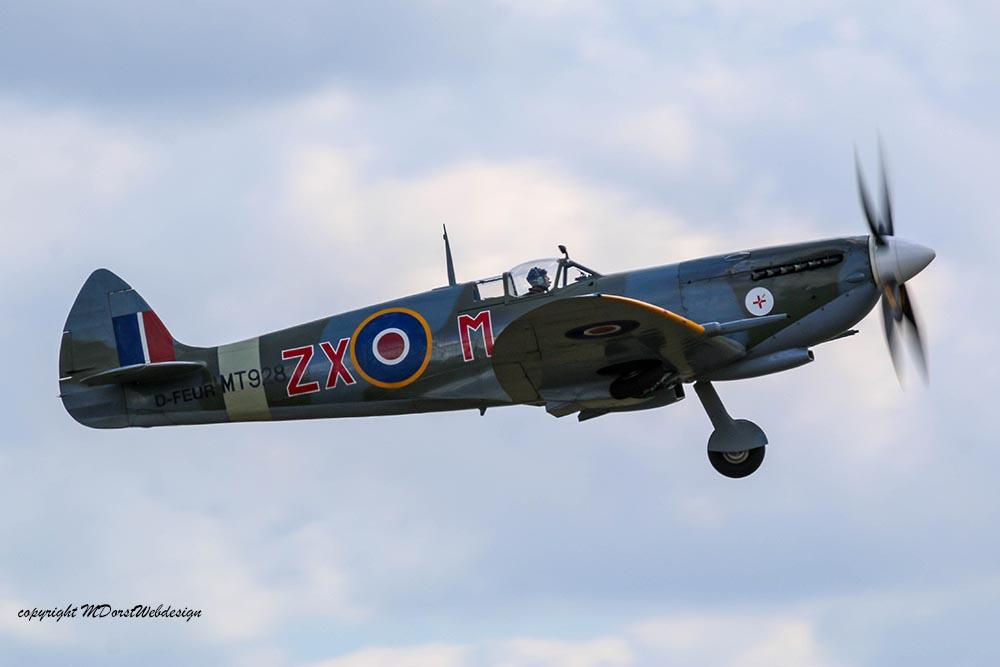 Spitfire_MkVIII_D-FEUR_Dux201529.jpg