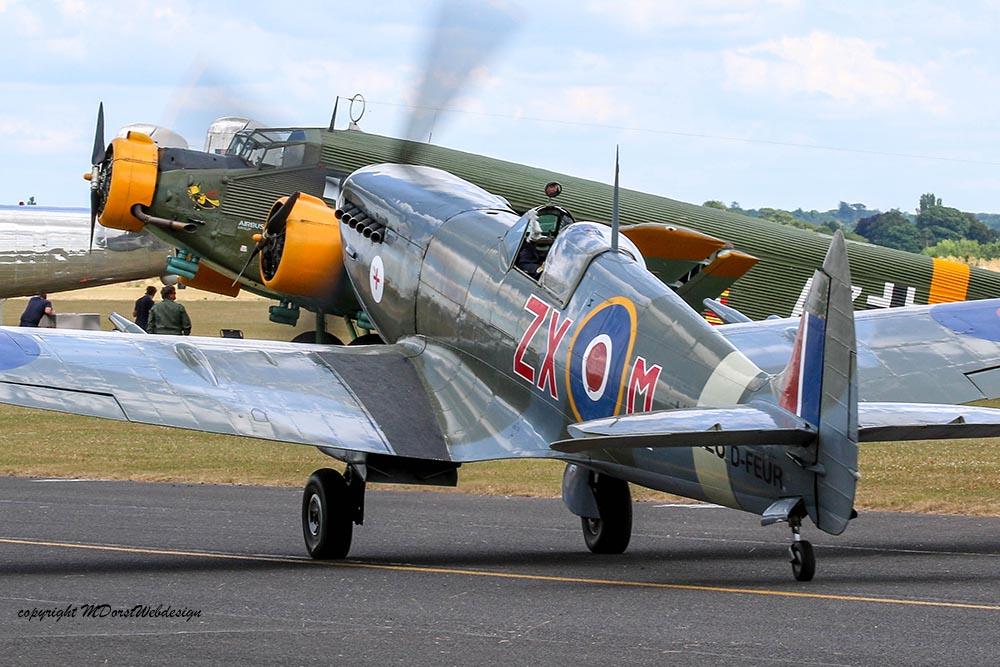 Spitfire_MkVIII_D-FEUR_Dux20154.jpg