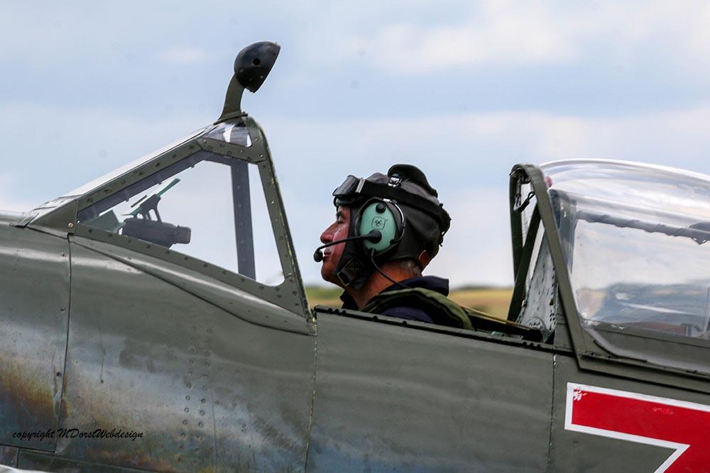 Spitfire_MkVIII_D-FEUR_Dux20156.jpg