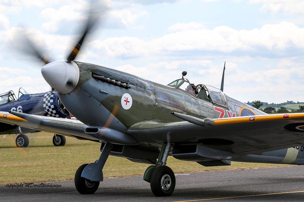 Spitfire_MkVIII_D-FEUR_Dux20158.jpg