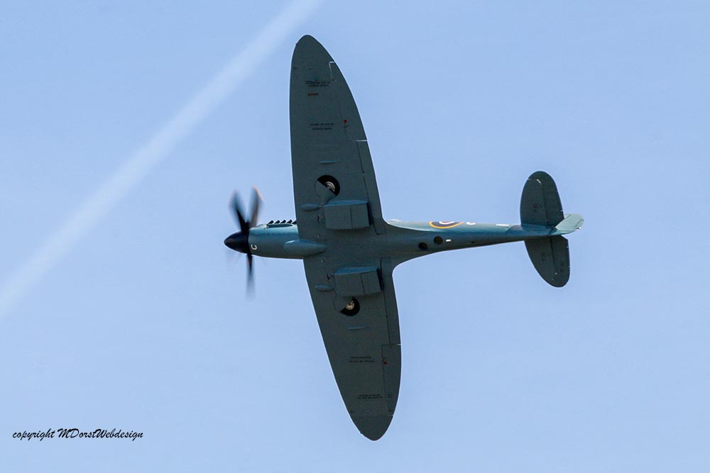 Spitfire_MkXIX_P5853_Dux20151.jpg