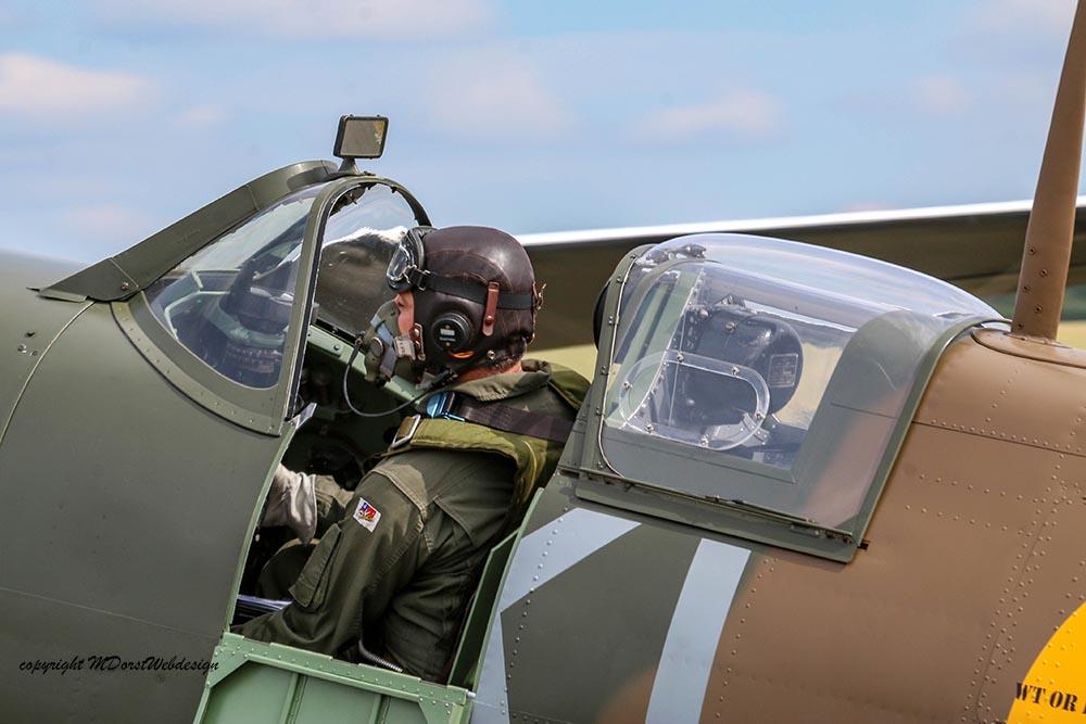 Spitfire_X465_Duxford_2015_2.jpg