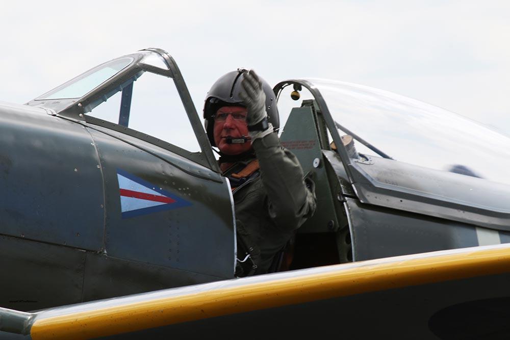 Spitfire_pilots_late_mark_Dux2015_1.jpg