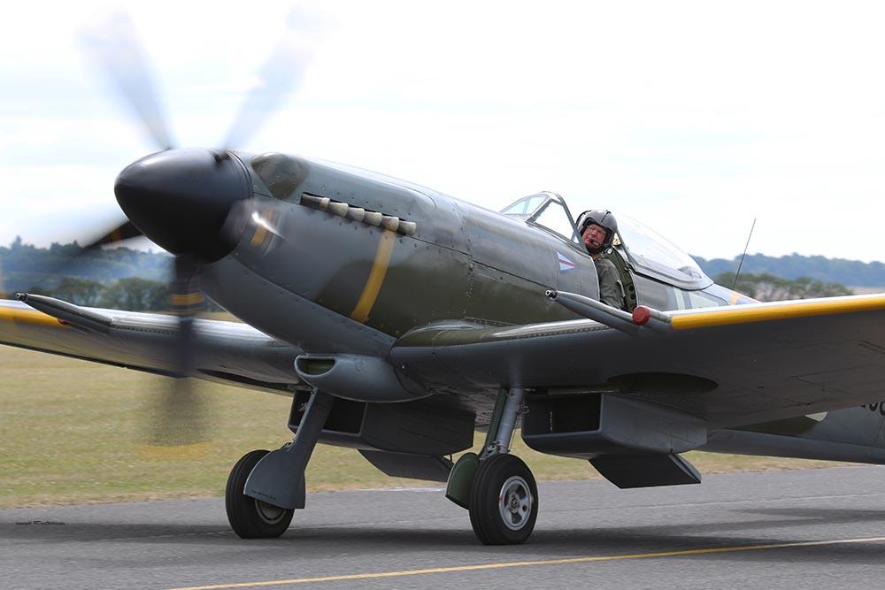Spitfire_pilots_late_mark_Dux2015_3.jpg