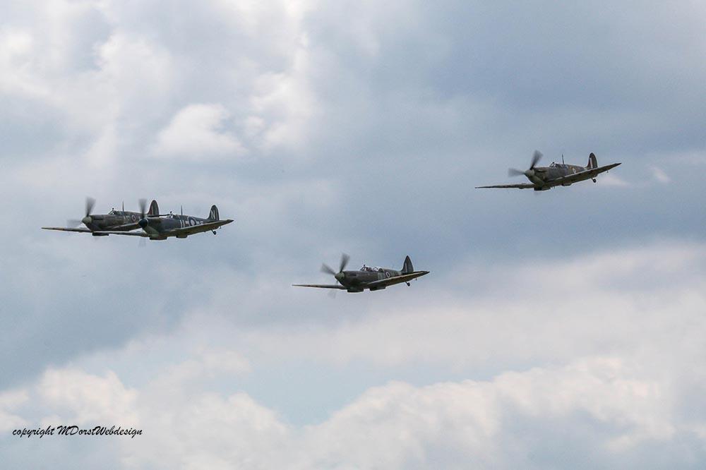 Spitfire_tailchase_Dux2015_14.jpg