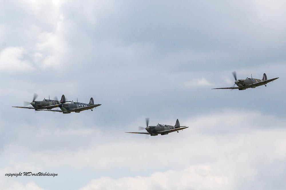 Spitfire_tailchase_Dux2015_16.jpg