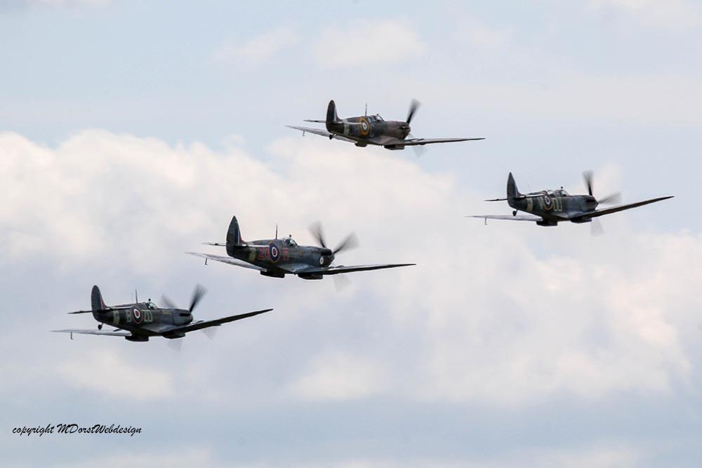 Spitfire_tailchase_Dux2015_6.jpg