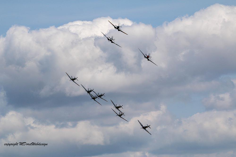 Spitfire_tailchase_Dux2015_8.jpg