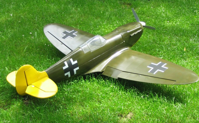 Spitfire_Rollout_3.JPG