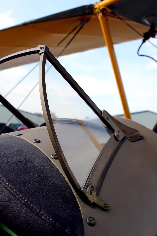 De_Havilland_TigerMoth_D-ECTM_2011-08-2512.jpg