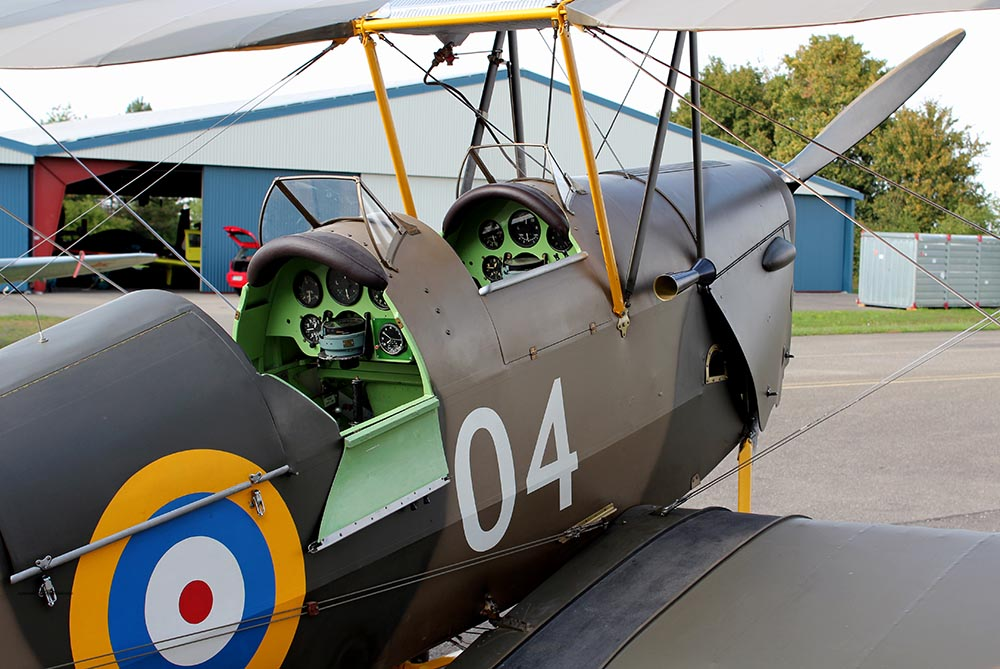 De_Havilland_TigerMoth_D-ECTM_2011-08-2516.jpg
