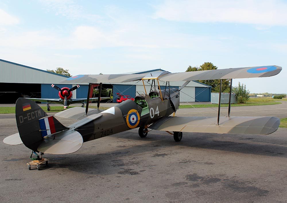 De_Havilland_TigerMoth_D-ECTM_2011-08-2517.jpg