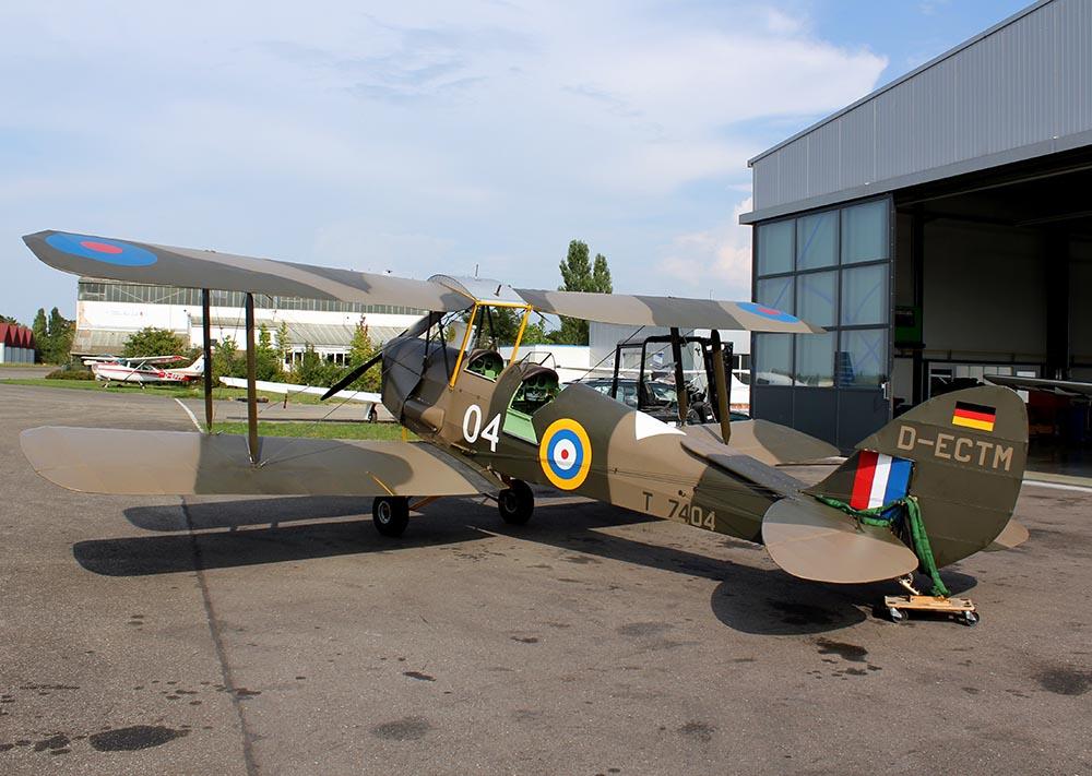 De_Havilland_TigerMoth_D-ECTM_2011-08-2520.jpg