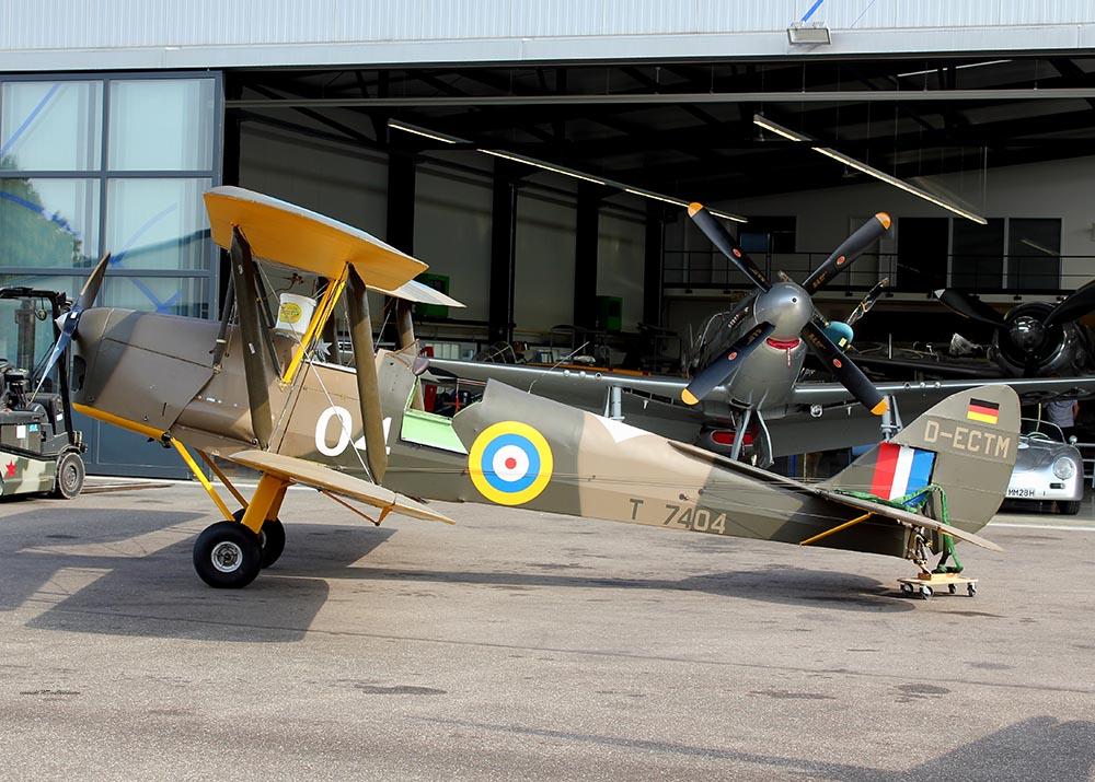De_Havilland_TigerMoth_D-ECTM_2011-08-2522.jpg