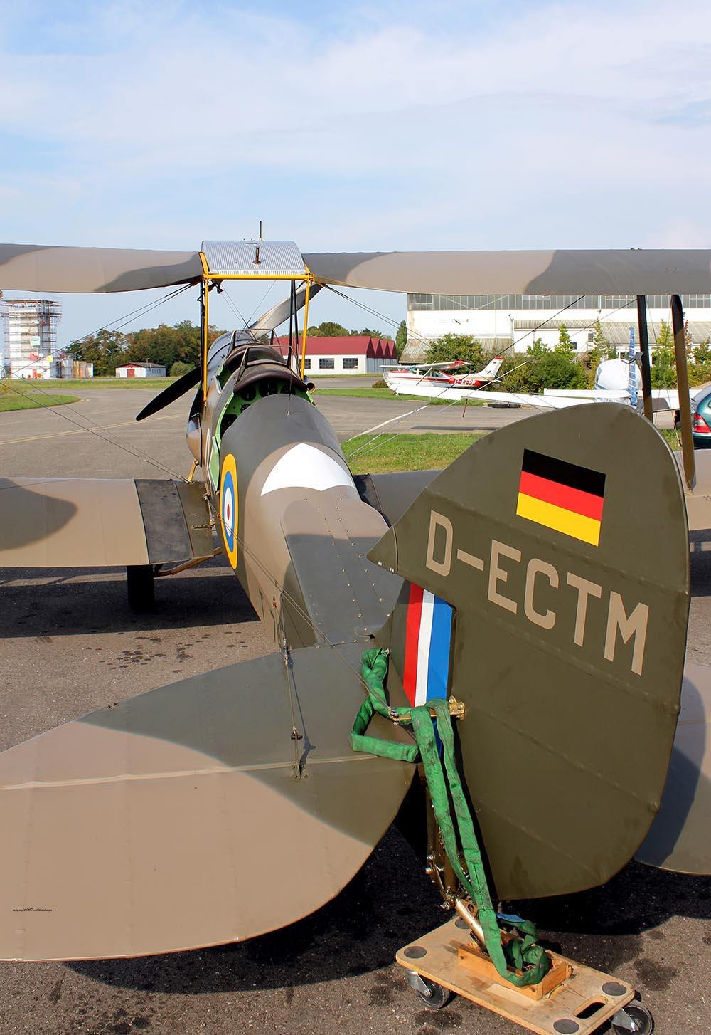 De_Havilland_TigerMoth_D-ECTM_2011-08-256.jpg