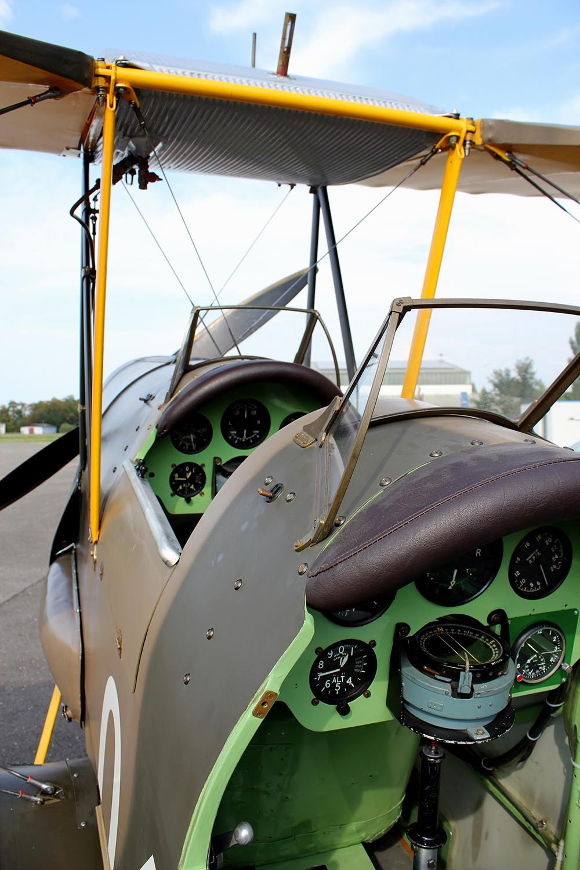 De_Havilland_TigerMoth_D-ECTM_2011-08-259.jpg