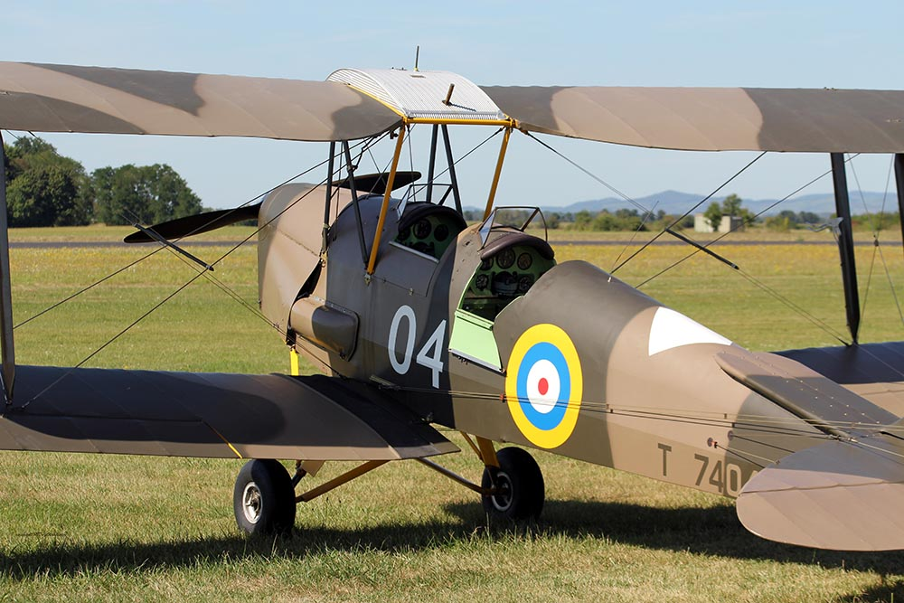 De_Havilland_TigerMoth_D-ECTM_2012-08-17_-10.jpg