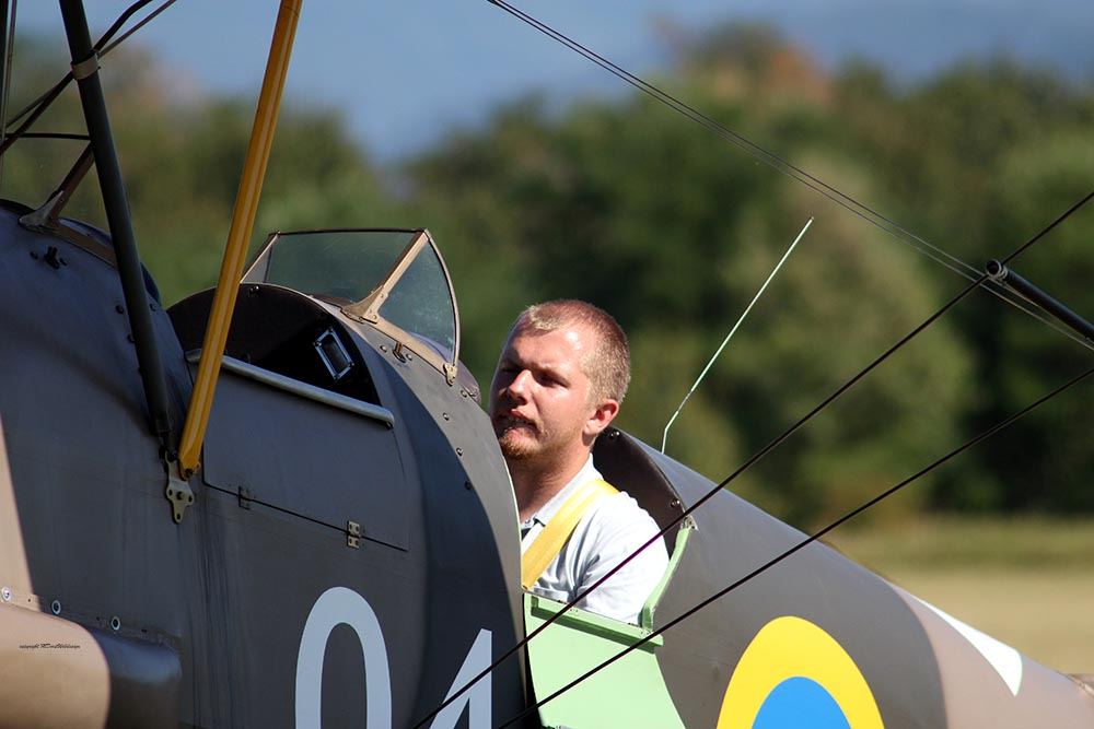 De_Havilland_TigerMoth_D-ECTM_2012-08-17_-2.jpg