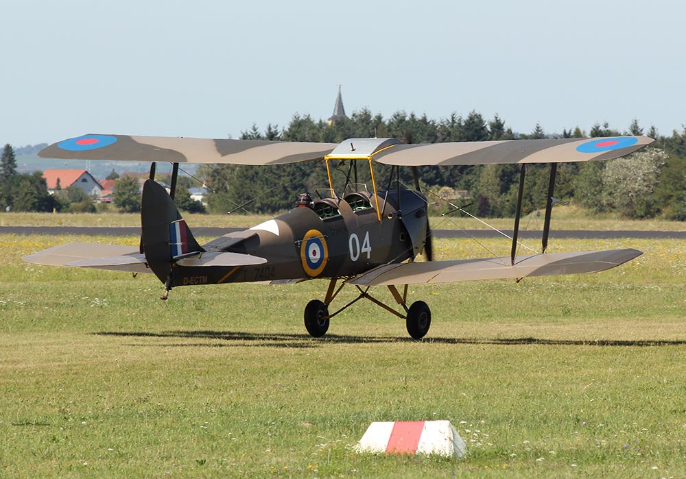 De_Havilland_TigerMoth_D-ECTM_2012-08-17_-20.jpg