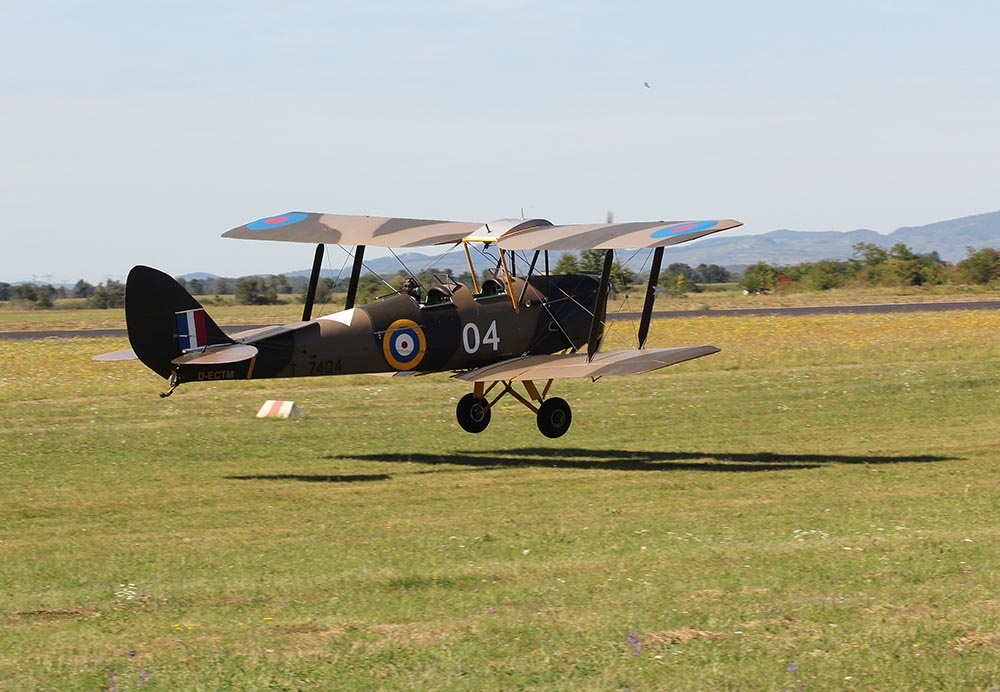 De_Havilland_TigerMoth_D-ECTM_2012-08-17_-21.jpg