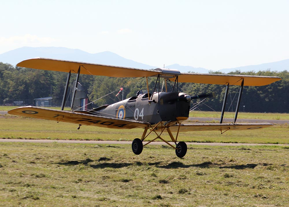 De_Havilland_TigerMoth_D-ECTM_2012-08-17_-26.jpg