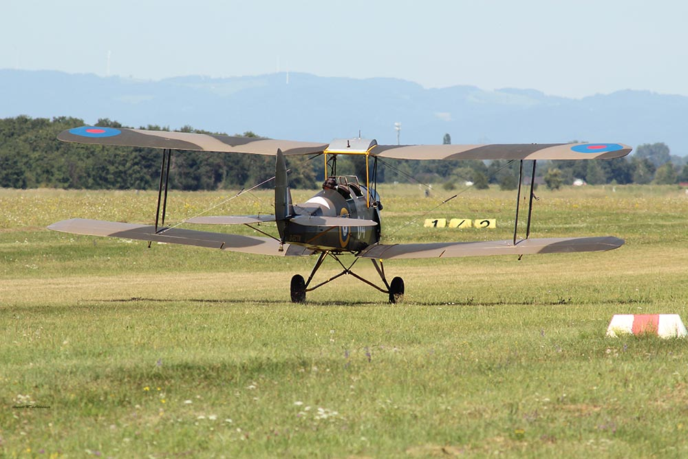 De_Havilland_TigerMoth_D-ECTM_2012-08-17_-29.jpg