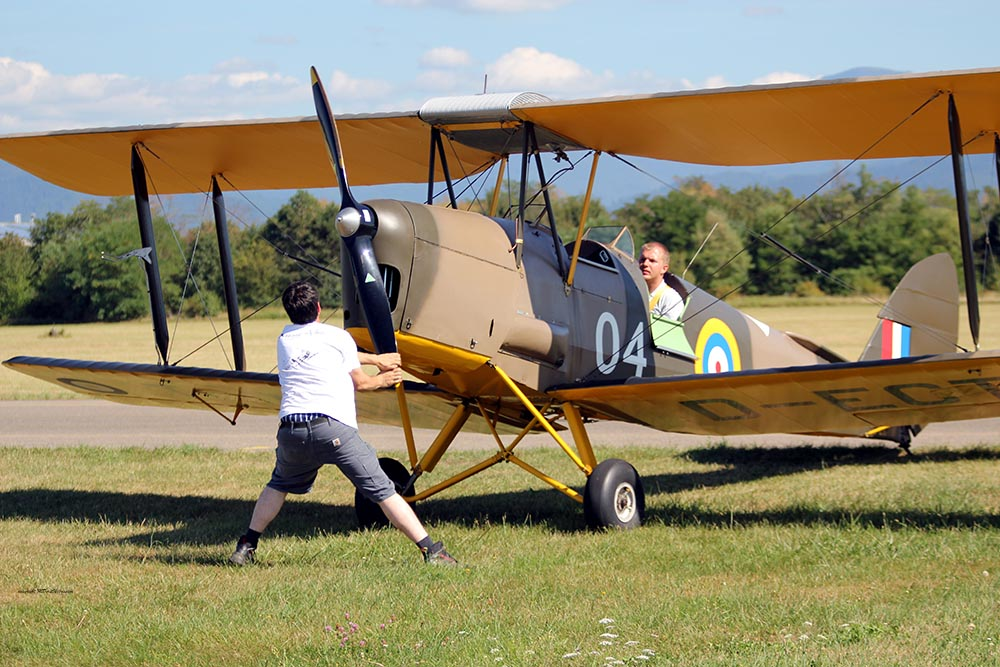De_Havilland_TigerMoth_D-ECTM_2012-08-17_-3.jpg